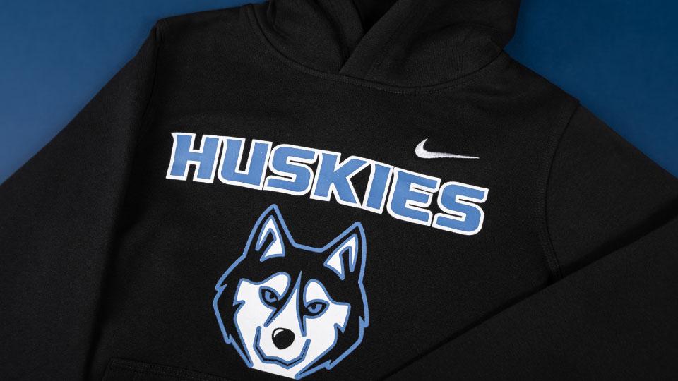 Customize Your Logo On Hoodies And Sweatshirts